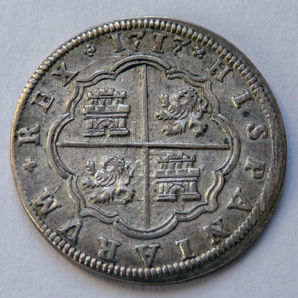 2 reales 1717 Segovia, Felipe V. Colección Manuela Etcheverría P1040513