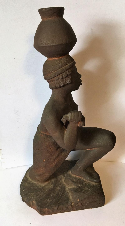 Nubienne porteuse d'eau - grès signé Apollon 1939? Img_1714