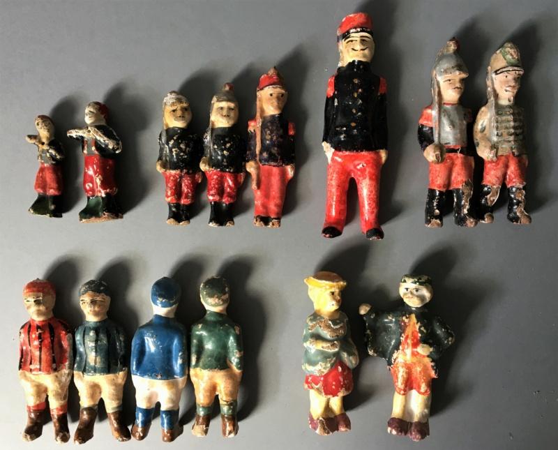 Figurines anciennes en carton bouilli Renault & Bon-Dufour Img_5111