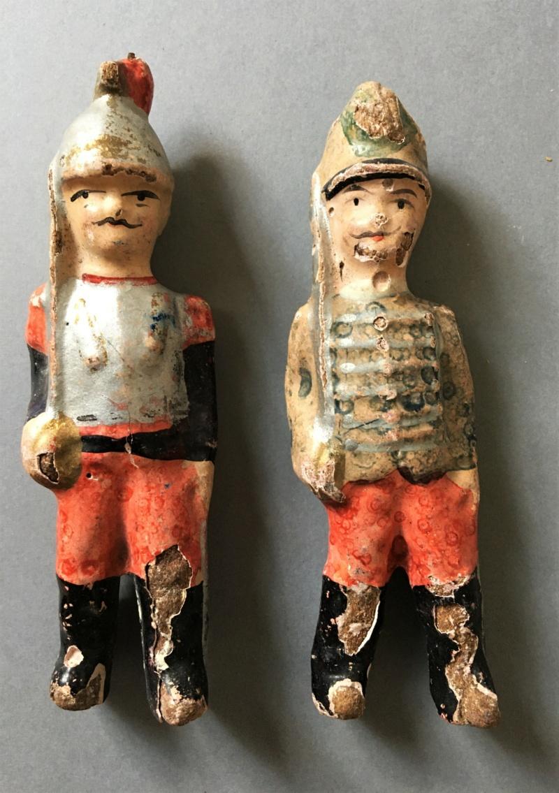 Figurines anciennes en carton bouilli Renault & Bon-Dufour Img_5112