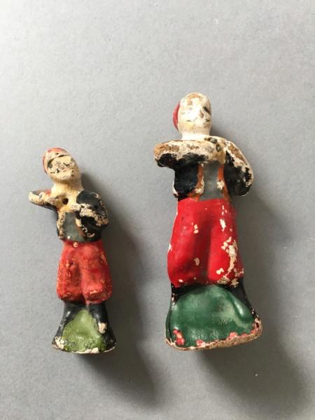 Figurines anciennes en carton bouilli Renault & Bon-Dufour Img_5115