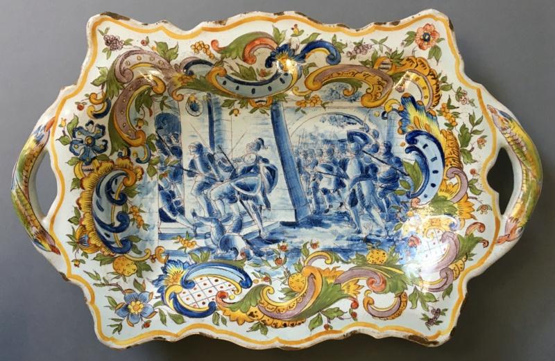 Plat ancien - décor d'une scène de bataille couleur bleue Img_5710