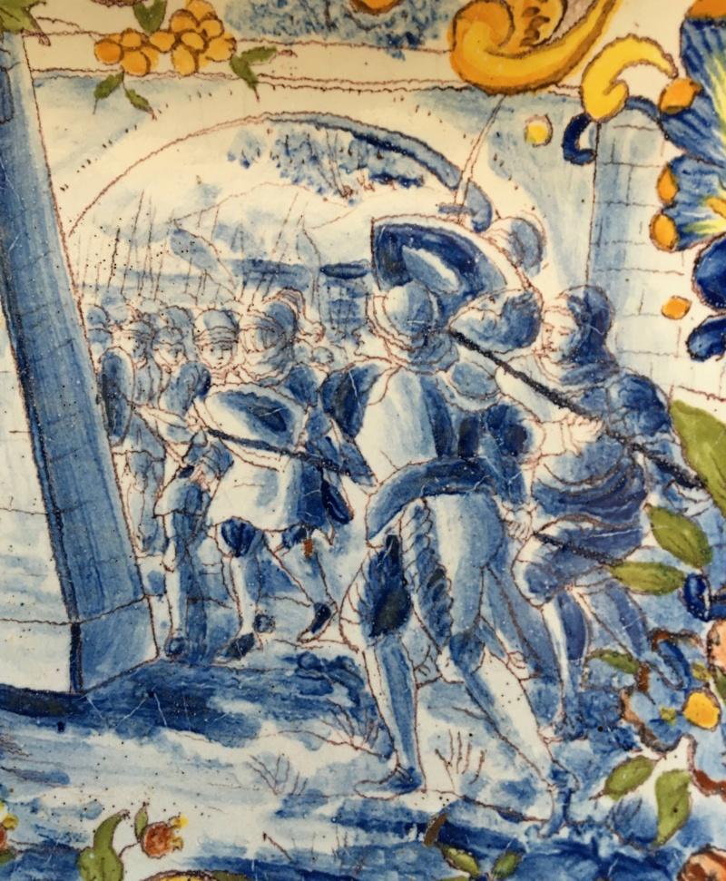 Plat ancien - décor d'une scène de bataille couleur bleue Img_5711