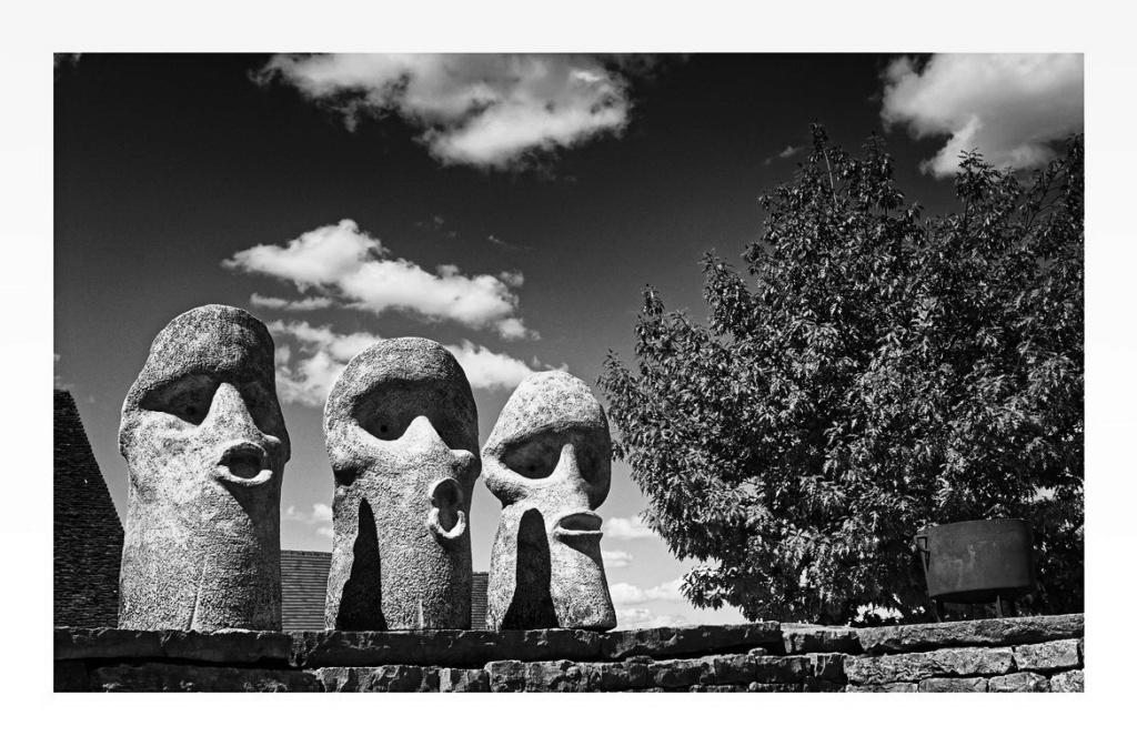 Les 3 têtes,... P8100110