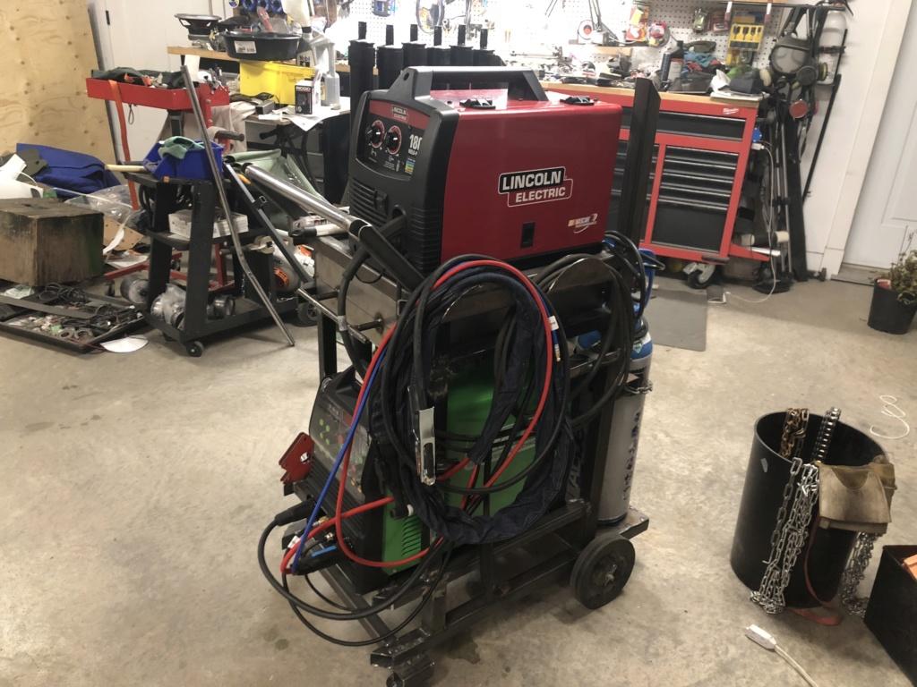Welding cart fabrication Cb4d6710