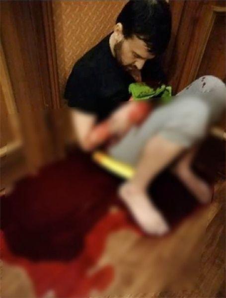В Сургуте пьяная мадам вогнала нож в бывшего мужа, сделала с ним селфи и запостила в соцсети Pyrnul10