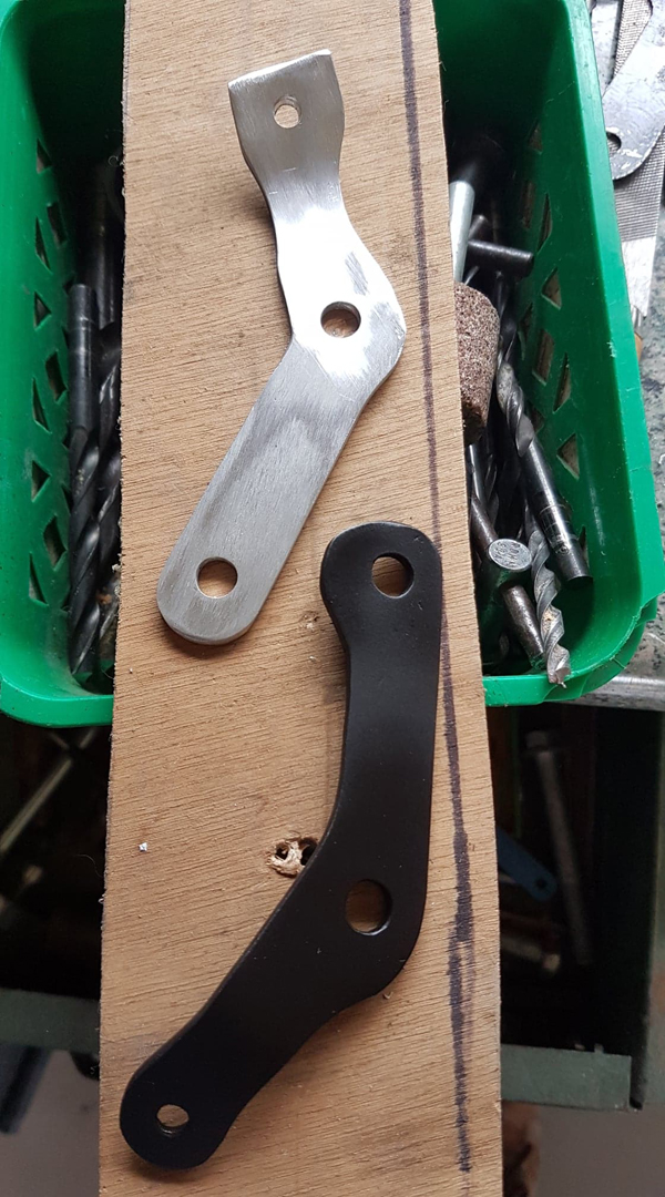 support cale pieds FZ1 pour MT 09 SP 67964710