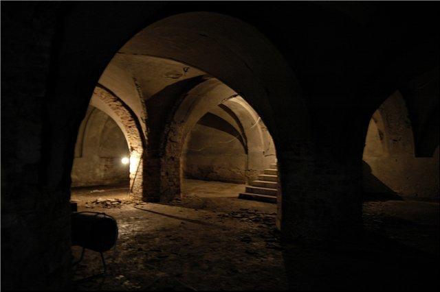 Заброшенный зал - Страница 4 0-02-035