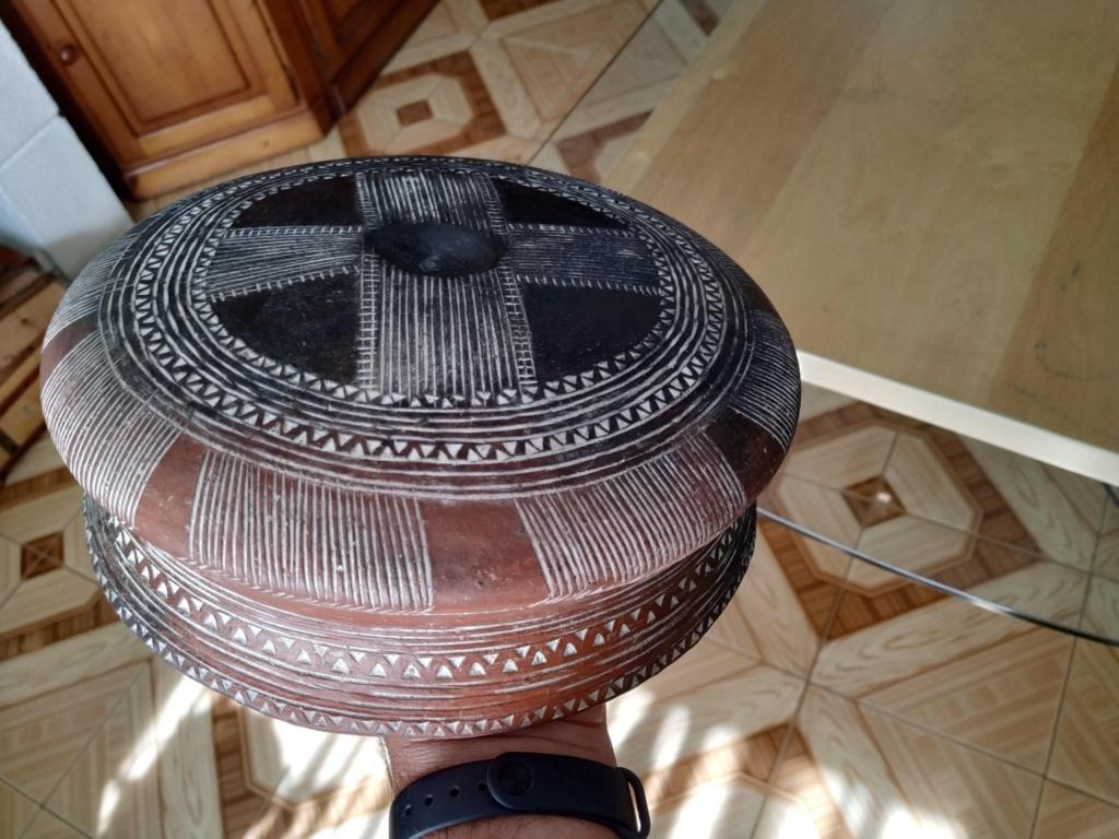 Varias piezas de cerámica primitiva - Página 2 Bfb16110