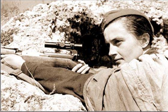 Les 10 plus grands Snipers de l'histoire Ludmil10