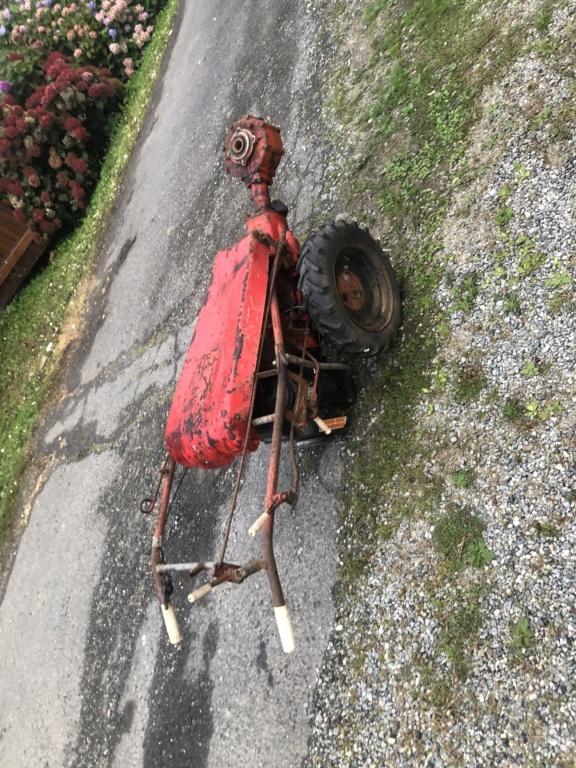 Besoin d'aide pour identifier un motoculteur. F59a3810