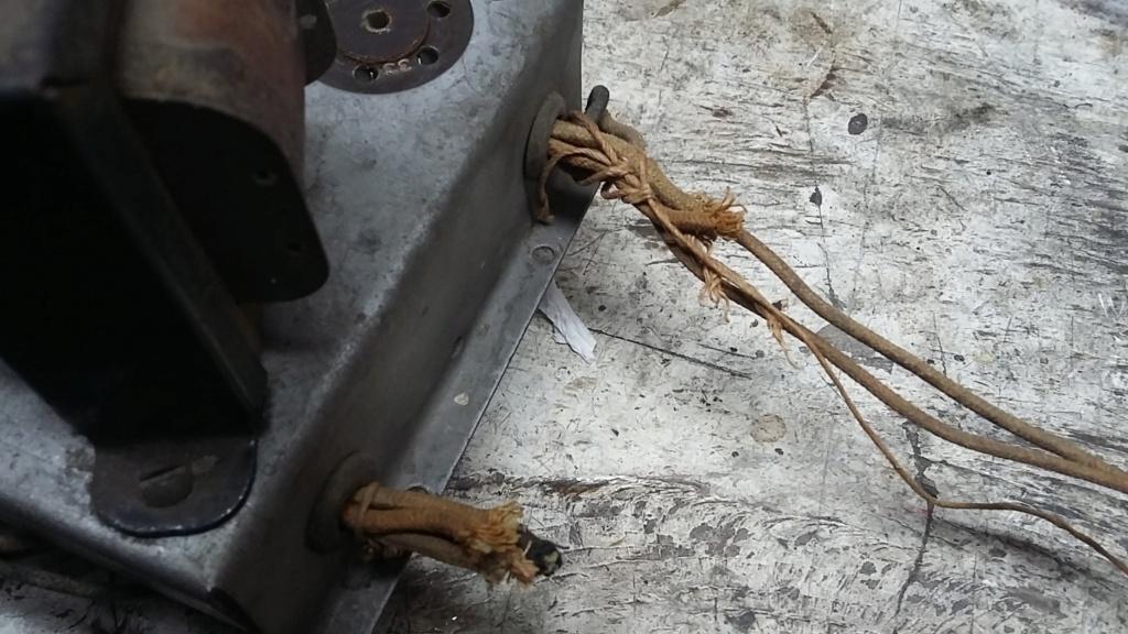 Restoration of a three tube radio Cha1611