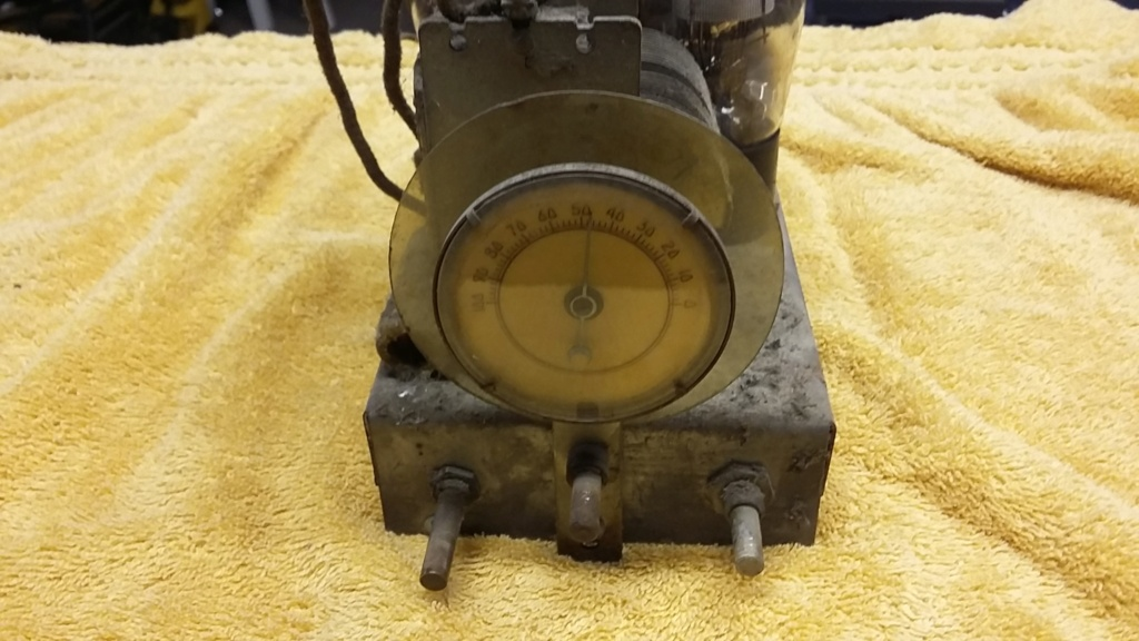Restoration of a three tube radio Cha510