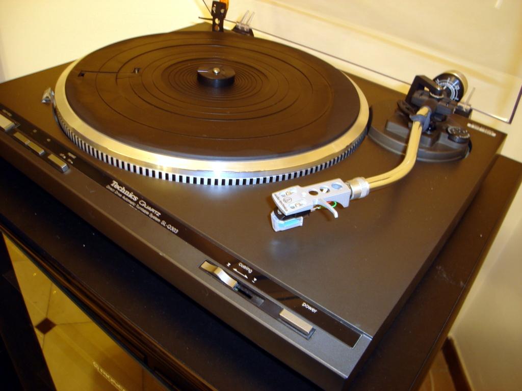 technics SL-Q303 basso volume  Dsc06410