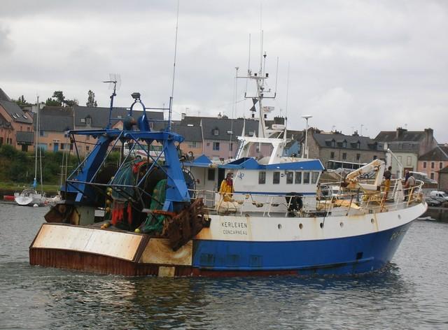 [VIE DES PORTS] Quelques bateaux de pêche (sur nos côtes Françaises) - Page 2 410