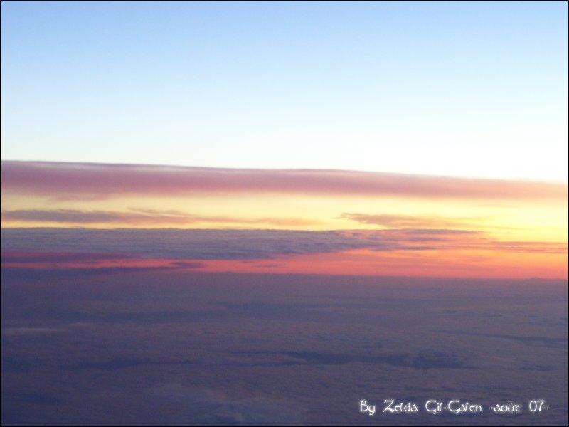 Coucher et lever de soleil..en avion! 101_0110