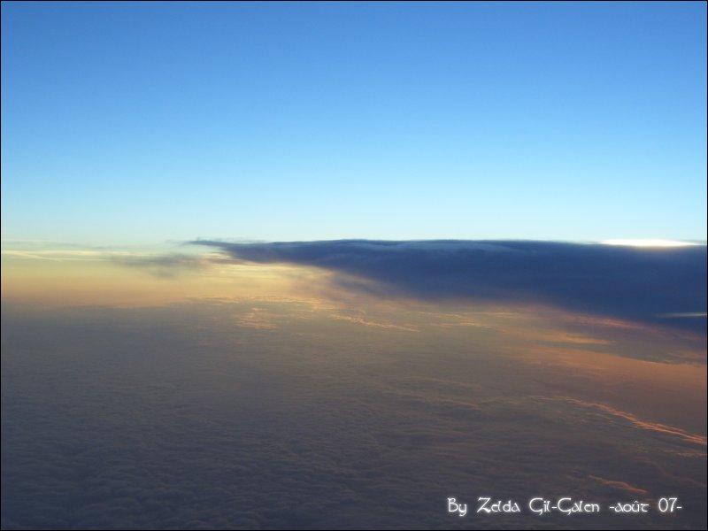 Coucher et lever de soleil..en avion! 101_0111