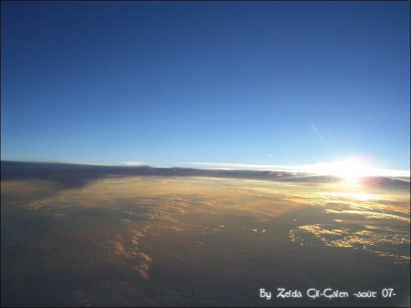 Coucher et lever de soleil..en avion! 101_0112