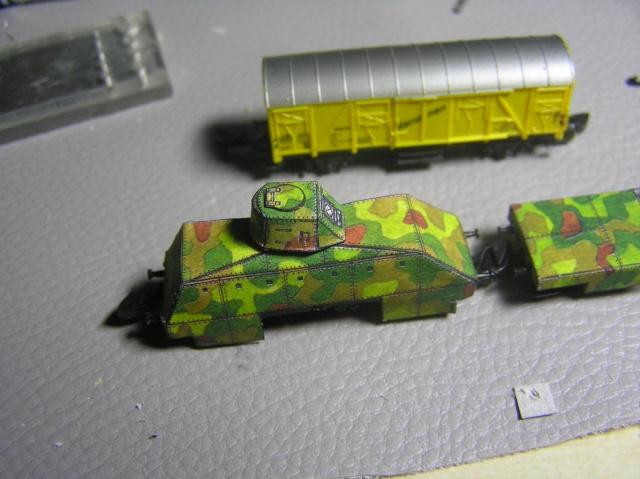 Montage d'un train blindé, base papier P1010010