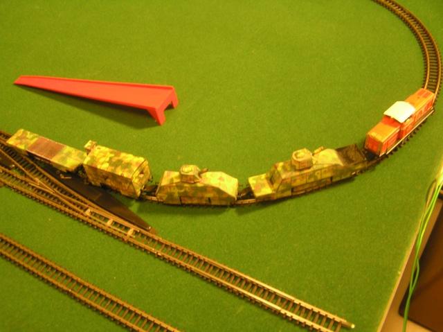 Montage d'un train blindé, base papier P1010013