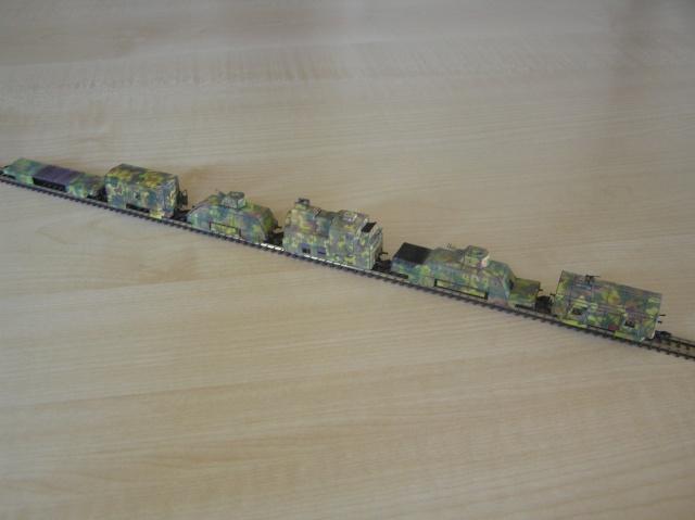 Montage d'un train blindé, base papier P1010020