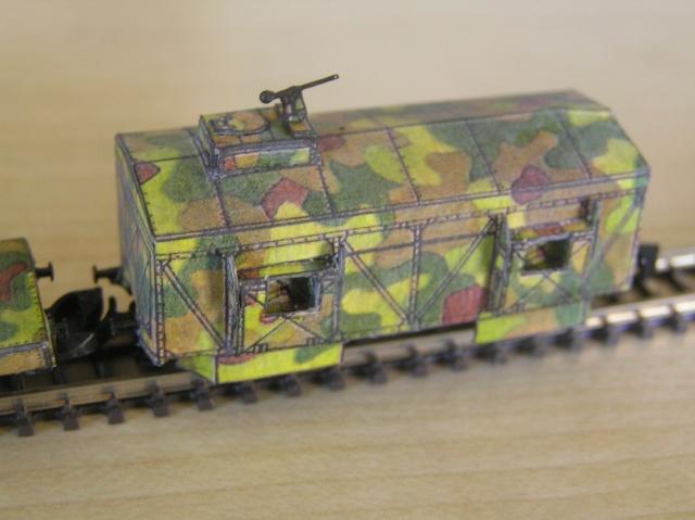 Montage d'un train blindé, base papier P1010028