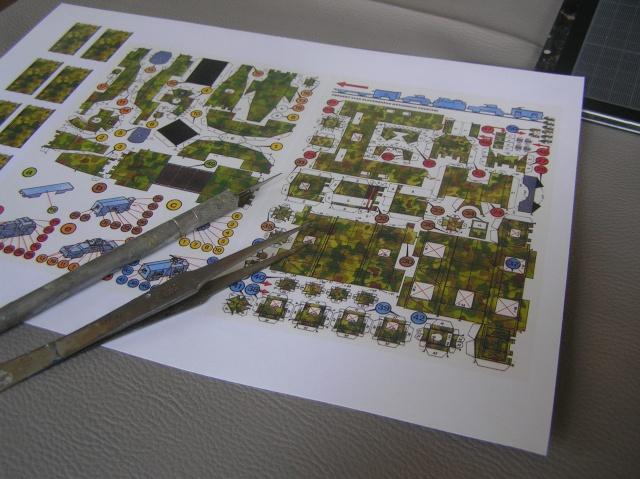 Montage d'un train blindé, base papier P7290010
