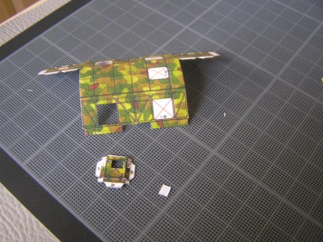 Montage d'un train blindé, base papier P7290011