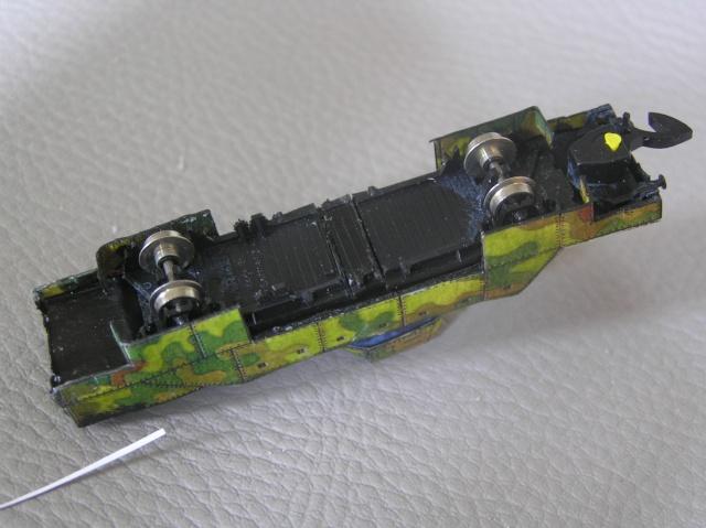 Montage d'un train blindé, base papier P8010011