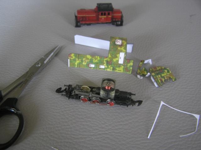 Montage d'un train blindé, base papier P8010012