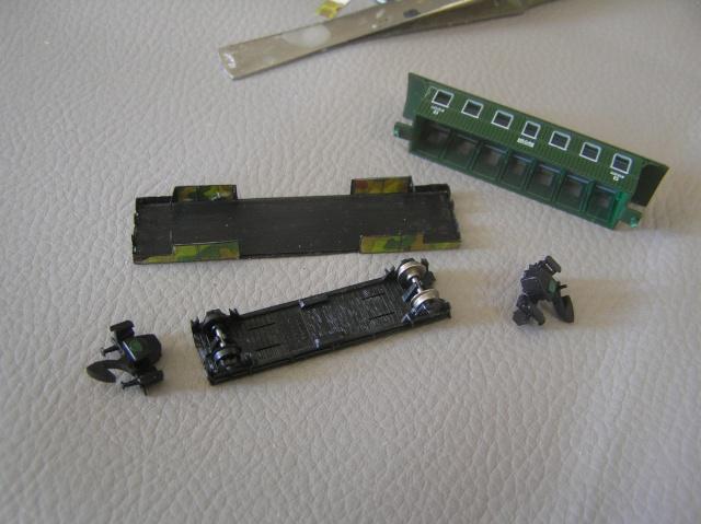 Montage d'un train blindé, base papier P8020010