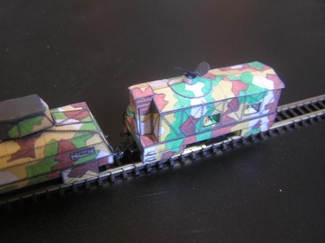 Nouveau train blindé, papier+Marklin. P8260017
