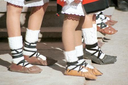 O opincă, două opinci… Foot_o10