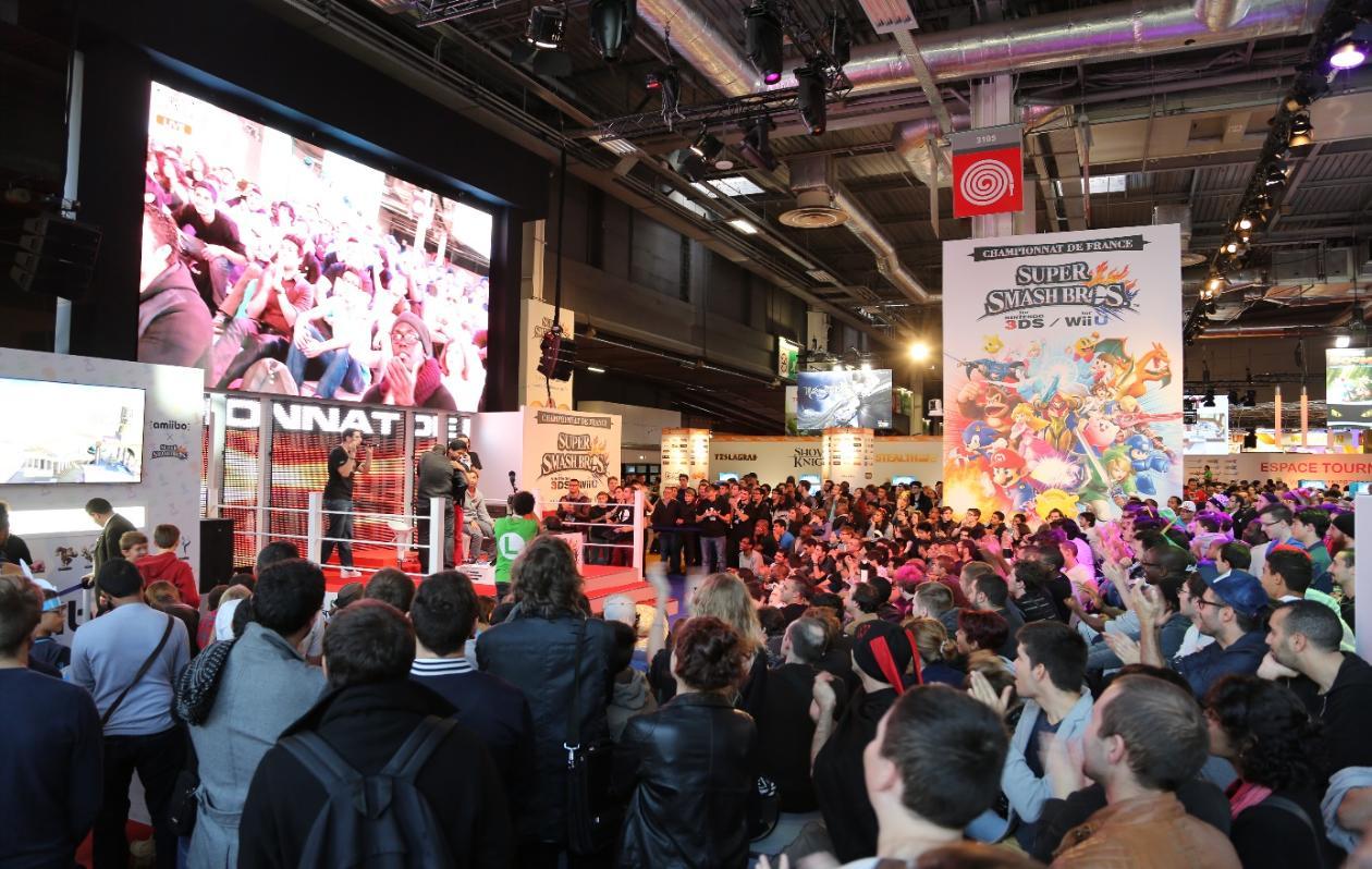 Une avalanche de tournois à Japan Expo 2015 sur le stand Nintendo Cid_3911