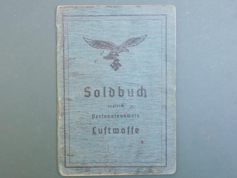 Vos livrets militaires allemands WWII (Soldbuch, Wehrpass..) / Heer-LW-KM-SS... - Page 2 Dscn3252