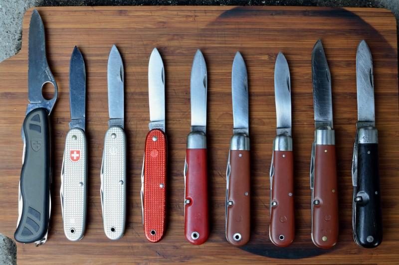 Le premier couteau de l'armée suisse Groupe13