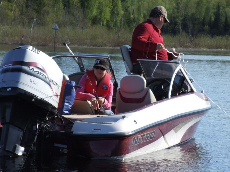 Je pourrai PEUT-ÊTRE mettre mon bateau à l'eau! - Page 5 Dscf2014