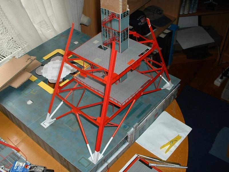 Maquette en papier : LUT & Saturn V Dscf0012