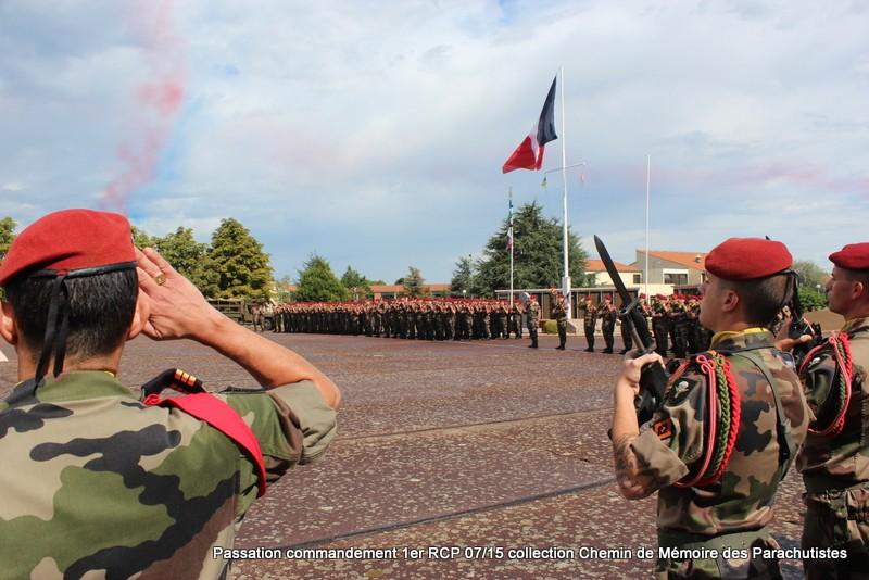 La patrouille de France s'invite à la cérémonie du 1er RCP 053-im10