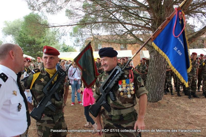 La patrouille de France s'invite à la cérémonie du 1er RCP 206-im10