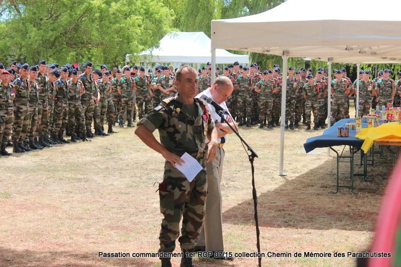 La patrouille de France s'invite à la cérémonie du 1er RCP 259-im10