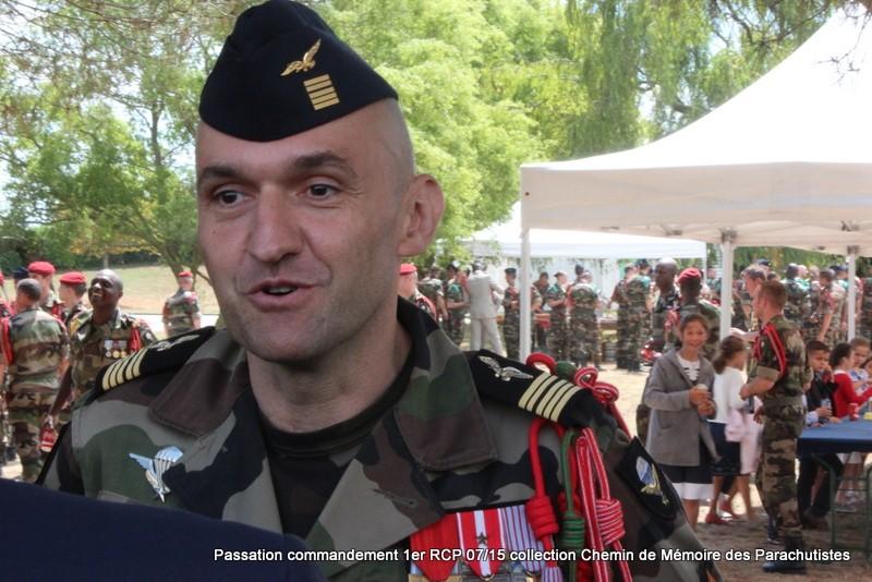 La patrouille de France s'invite à la cérémonie du 1er RCP 266-im10