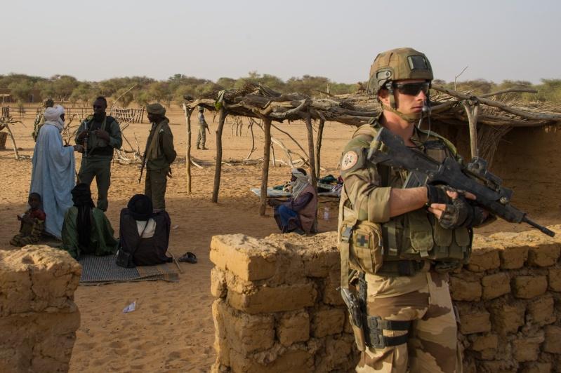 Belles photos de l'Opération BARKHANE - source: service communication 1er RCP Le_29_10