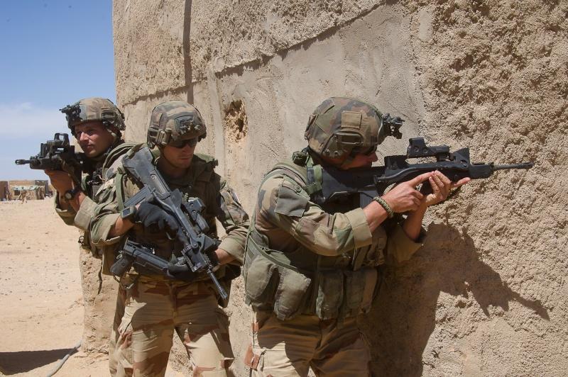 Belles photos de l'Opération BARKHANE - source: service communication 1er RCP Le_6_m11