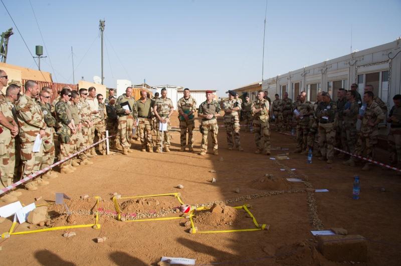 Belles photos de l'Opération BARKHANE - source: service communication 1er RCP Sans_l12