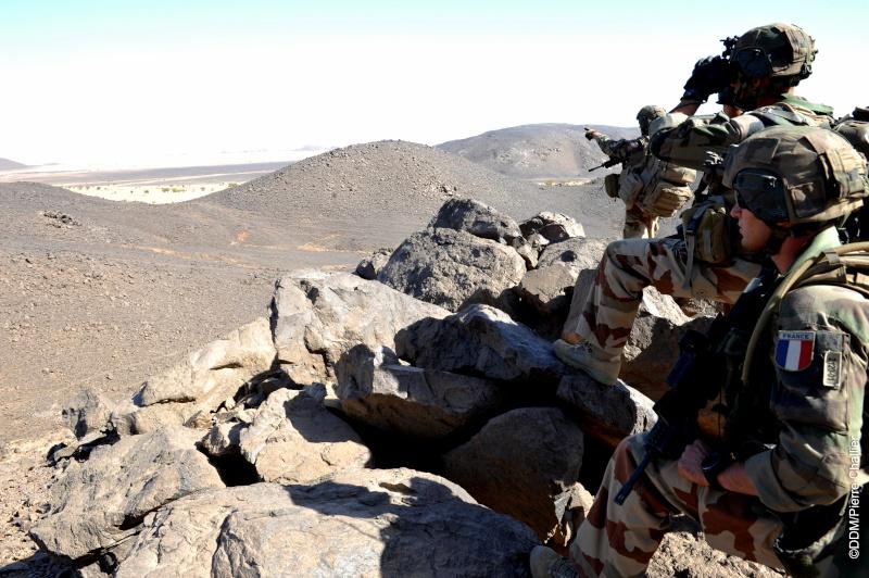 Belles photos de l'Opération BARKHANE - source: service communication 1er RCP Sans_l13
