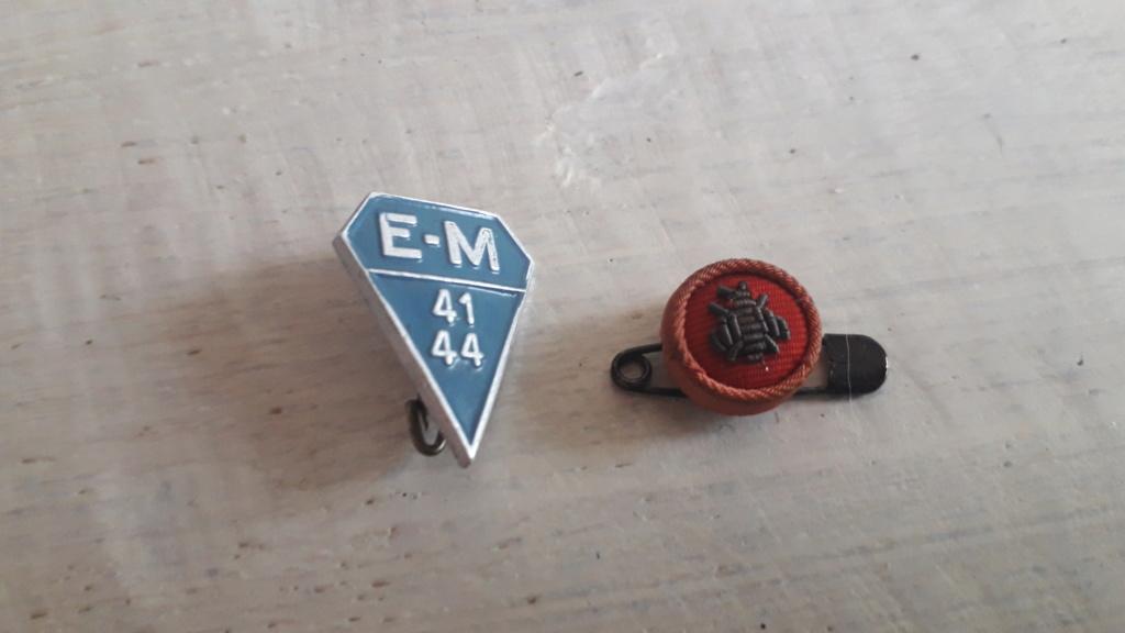 insigne inconnu E-M 41 44 et rosette motif abeille 20190614