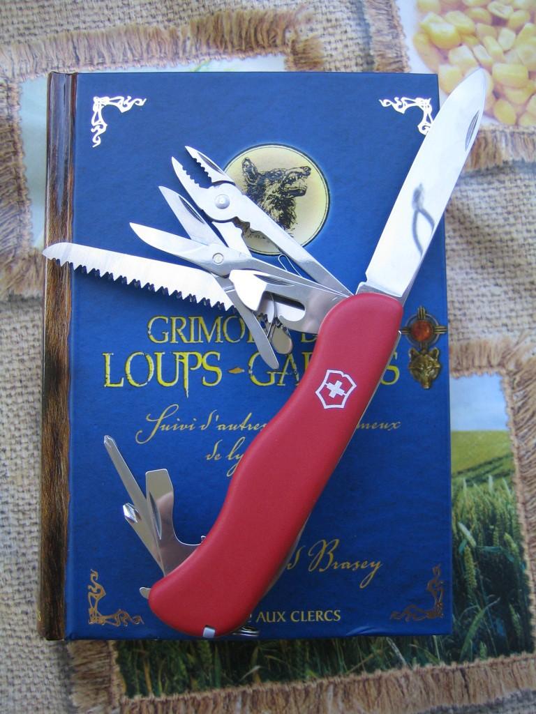 Un seul couteau Hercul12