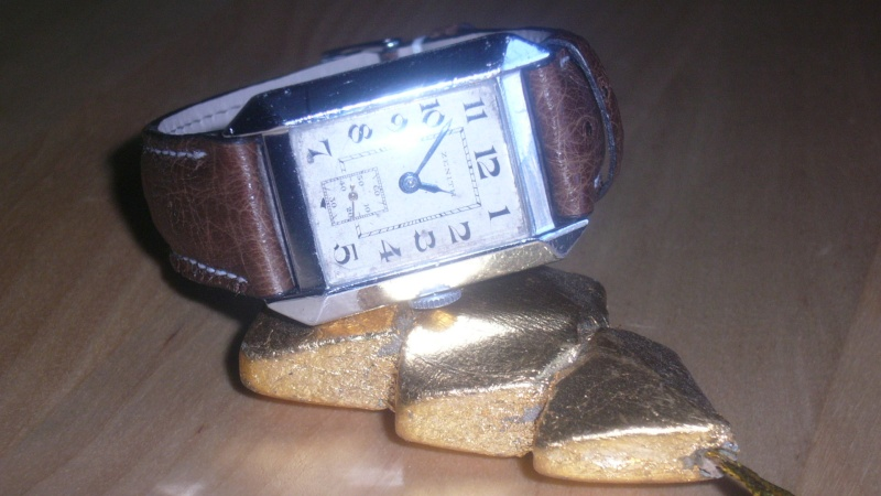 pleins feux sur les montre carré ( ou rectangulaire !) - Page 2 P1040311
