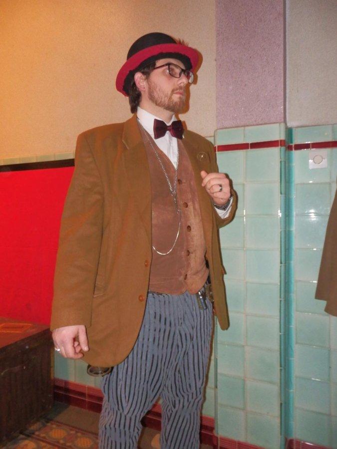 [Terminé] [année 30] Costume pour murder années 30 lègèrement steampunk - Page 2 P2220110